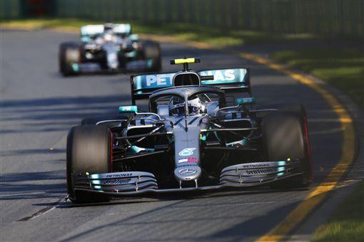 ▲Mercedes-AMG Petronas Motorsport車隊奪下冠亞軍。(圖/Mercedes-Benz提供)