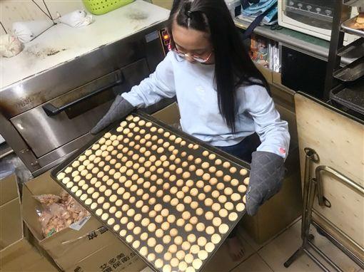 紅斑性狼瘡女孩,手工餅乾,婍婍(臉書光線提供)