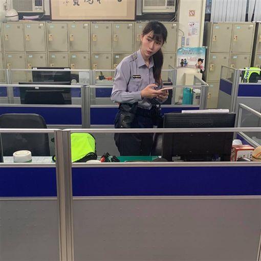 台中南區勤工派出所女警楊舒婷,美到女網友也讚嘆。(圖/翻攝爆廢公社)