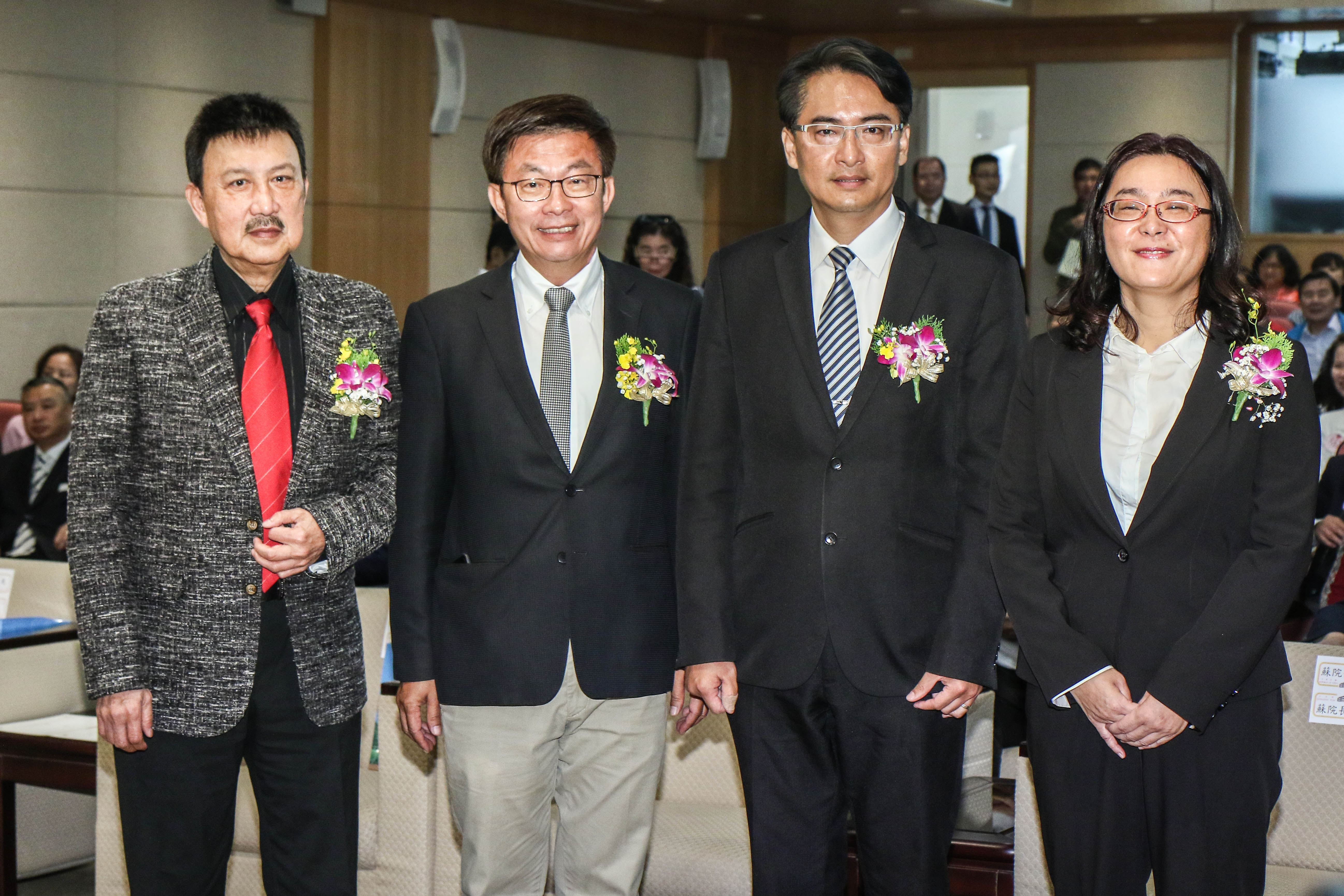 立委補選宣誓就職典禮,立法委員余天、郭國文、柯呈枋及陳玉珍合影