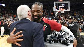 NBA/超有心!波總大禮告別閃電俠 NBA,邁阿密熱火,Dwyane Wade,聖安東尼奧馬刺,Gregg Popovich 翻攝自推特