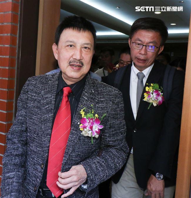 立委補選宣誓就職典禮,余天與郭國文。(記者林士傑/攝影)