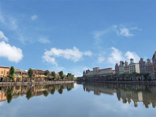 ▲南會安珍珠樂園擁有會安河畔古鎮、歐風夢想大道兩種截然不同的面貌,讓您拍出不同風格的絕佳照片。(圖/盈達旅遊)