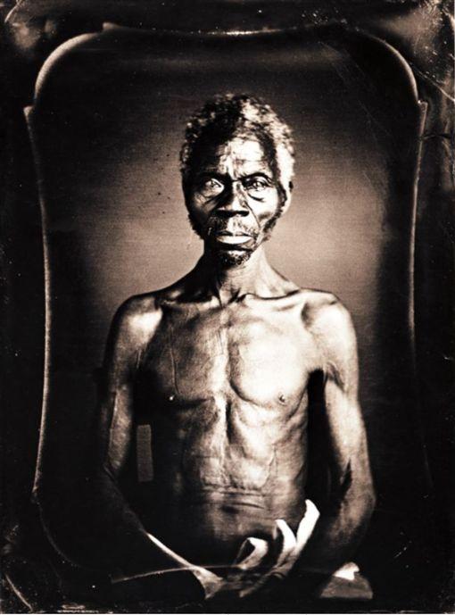 濫用美最早黑人奴隸照 後代狀告哈佛大學(圖/翻攝自皮博迪博物館網頁)