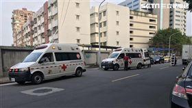 台北市1名5個月大的男嬰突然猝死,家人發現後立刻打電話報案,隨即將男嬰送往台北長庚醫院救治(翻攝畫面)