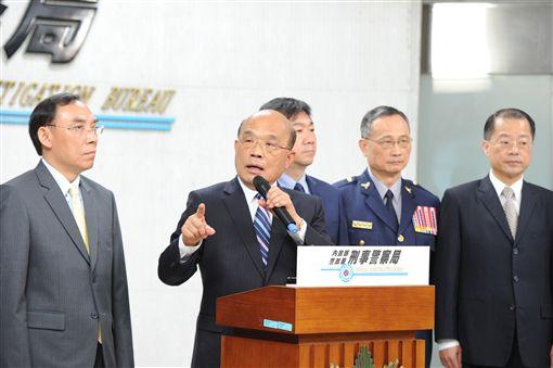 行政院長蘇貞昌22日上午視導刑事局「安居緝毒專案」成果展示。(圖/行政院提供)