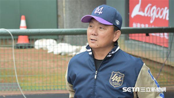 桃猿總教練洪一中。(圖/記者王怡翔攝影)