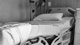 醫院,病房,住院,病床(圖/翻攝自pixabay)