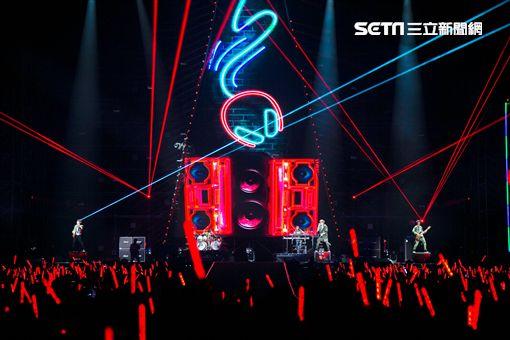 八三夭高雄巨蛋演唱會。(圖/JUSTLIVE提供)