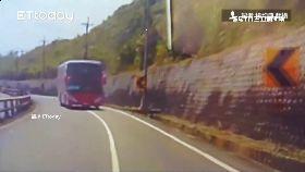遊覽車撞警083.0(DL)