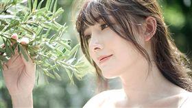 泰國混血網紅羅莎琳(Rossarin Klinhom) 翻攝自/Rossarin Klinhom IG