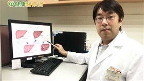 李少武醫師提醒,因肝炎病毒潛伏期可長達十至二十年以上,一般民眾應做B肝、C肝檢驗外,並施打疫苗預防保護。