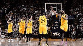 NBA/浪花兄弟50分!勇士勝活塞 NBA,金州勇士,Stephen Curry,Klay Thompson,Kevin Durant 翻攝自勇士官方推特