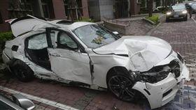 台中,BMW,酒駕,傷重,自撞