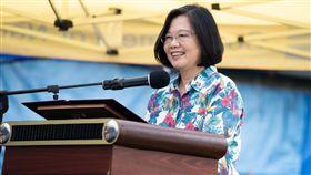 蔡英文出訪南太平洋友邦,參加駐諾魯技術團「臺灣農畜教育中心」開幕典禮 圖/總統府提供