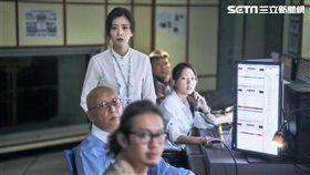 《我們與惡的距離》賈靜雯飾演新聞台主管霸氣凌人,贏得網友一片讚美聲。(圖/公視提供)