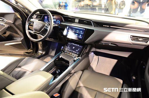 ▲台灣首輛Audi e-tron現身「e 動中心」。(圖/鍾釗榛攝影)