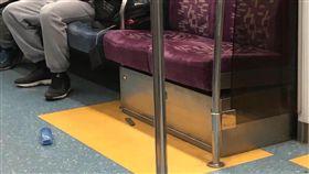 台北,松山車站,區間車,刀,水果刀,公共危險(圖/翻攝畫面)