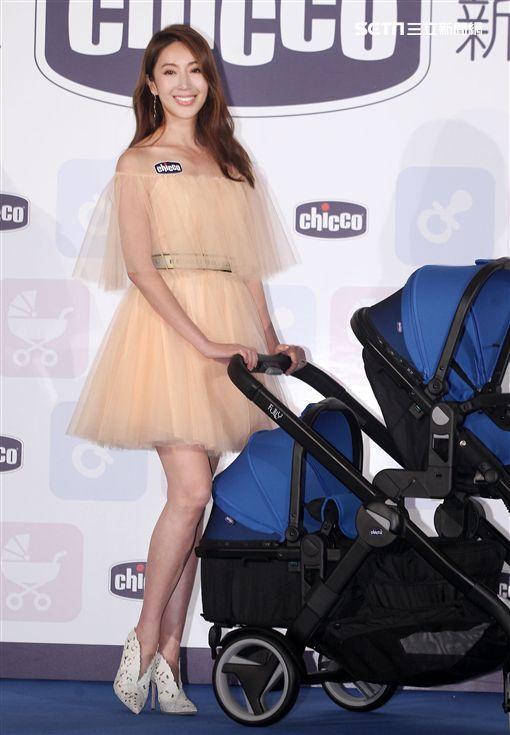 最美時尚媽咪隋棠驚艷現身完美全釋幸福。(記者邱榮吉/攝影)