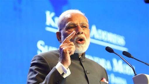 印度總理莫迪香格里拉對話主題演說第17屆香格里拉對話1日在新加坡香格里拉大酒店登場,圖為印度總理莫迪晚間發表主題演說。中央社記者黃自強新加坡攝 107年6月2日