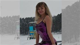 女老師穿低胸短裙裝 校長怒譙「妓女」開除她 圖/翻攝自Tatyana Kuvshinnikova VK