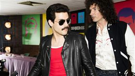 搖滾樂迷經典  皇后合唱團傳記片躍大銀幕傳記電影「波西米亞狂想曲」以搖滾經典的不敗傳奇「皇后合唱團」為中心環繞,電影透過他們極具原創性與獨樹一格的標誌曲風,和樂團的靈魂人物、主唱佛萊迪墨裘瑞(Freddie Mercury)充滿爆發性且穿透力的歌聲,描述皇后合唱團的崛起。圖為「波西米亞狂想曲」劇照。(福斯影片提供)中央社記者江佩凌傳真  107年5月17日