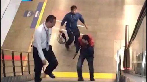 台北,鄭捷,松山車站,正義哥,表揚。翻攝畫面