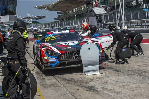 ▲台灣車手李勇德駕駛88號Mercedes-AMG GT3賽車。(圖/Mercedes-Benz提供)