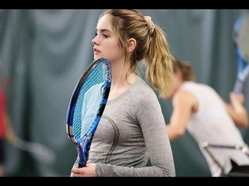 「網球妙麗」美到登表特,雷恩(Makenzie Raine)(圖/翻攝自雷恩IG)