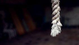 上吊,輕生,自殺(圖/pixabay)