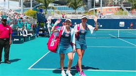 ▲詹家姊妹晉級邁阿密網賽女雙冠軍戰。(圖/取自詹詠然臉書)