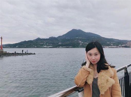香港,女老師,鋼管(圖/翻攝自IG)