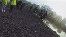 詭異!男謊報發現浮屍 3天後溺斃在池塘裡(圖/微博)