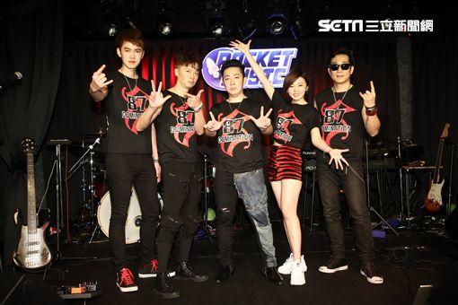 87樂團首場簽唱會,樂咖、艾成、王瞳、何豪傑、阿修羅。(圖/樂音唱片提供)