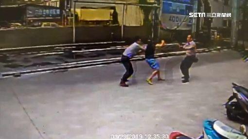 狂奔跑輸警!竊車賊自撞逃逸 遭逮「舉手求饒」