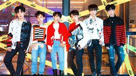 韓國JYP娛樂旗下最「幼齒」嘻哈男團BOY STORY。(圖/環球唱片)