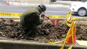 新北市板橋區民生路三段工地再度發現未爆彈(翻攝畫面)