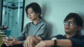 賈靜雯與溫昇豪兩人劇中因喪子而造成多年隔閡。(圖/公視提供)