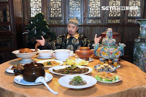 阿達推新歌《吃飯皇帝》。(圖/環球提供)