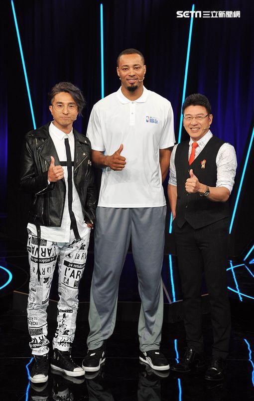 NBA傳奇球星Rashard Lewis、楊鏽惠、黃豪平與撒基努、王少偉、謝震武《台視17Q》圖/台視提供