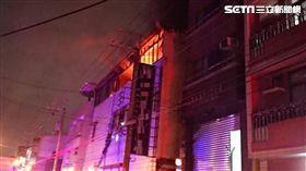台中工廠驚傳火警!2樓傳爆炸聲響 人員受困待救 圖翻攝畫面
