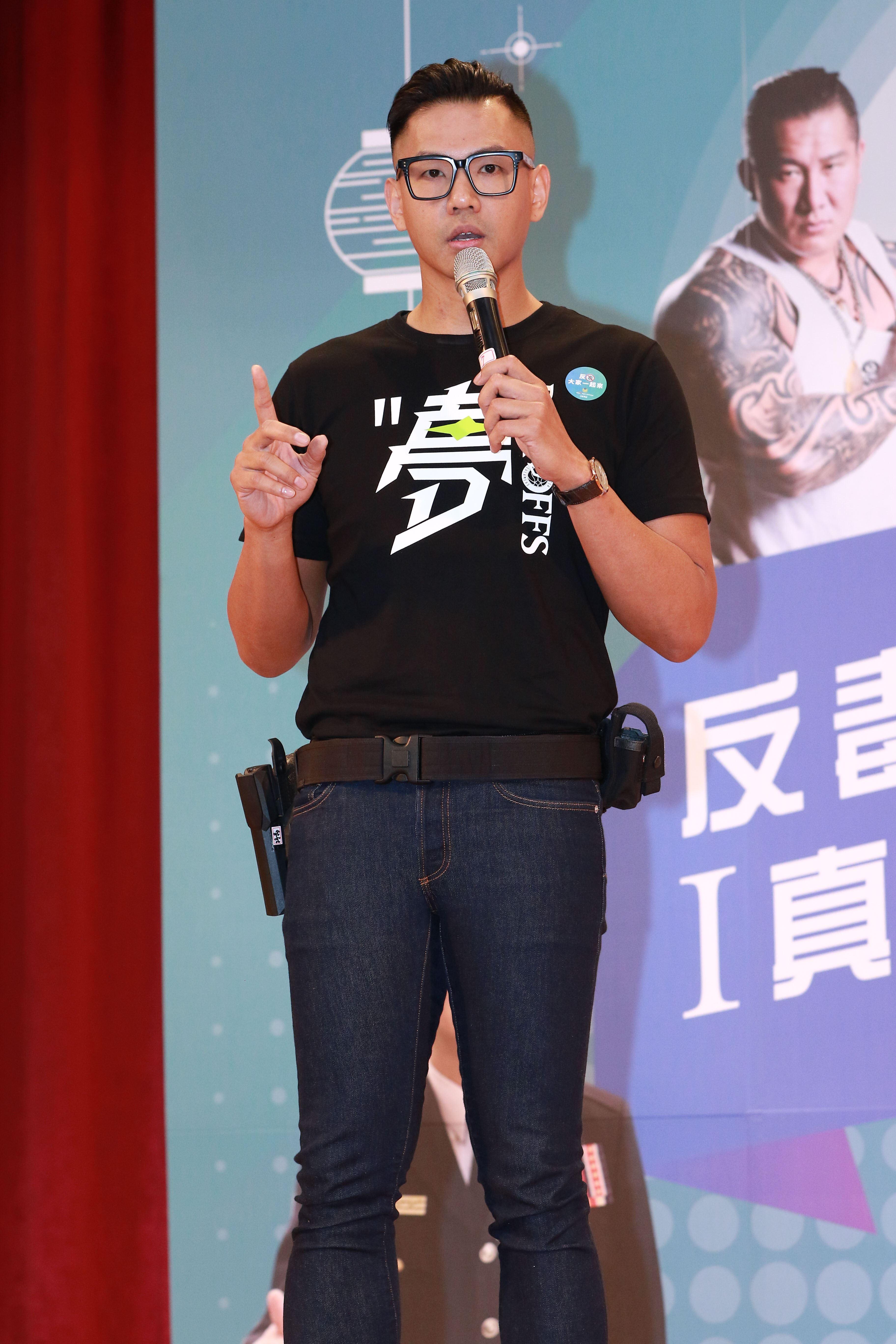 黑人陳建州出席校園反毒宣傳活動並客串反毒影片演出。(記者林士傑/攝影)