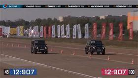 ▲新舊世代Mercedes-AMG G63加速對決。(圖/翻攝網站)