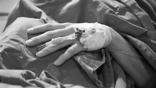 病床、病人、生病、開刀/pixabay