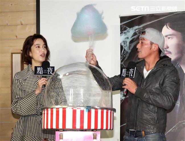 陳庭妮、趙駿亞出席黯夜試片記者會。(記者邱榮吉/攝影)
