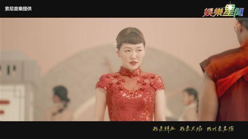 小S跨刀蔡依林《紅衣女孩》MV!雙后稿驚悚 婚禮變血色喪禮
