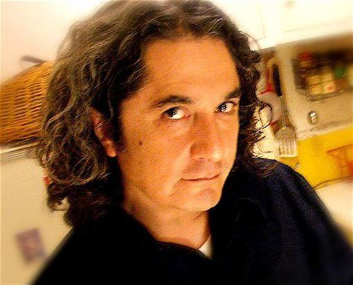 Armando Vega Gil 臉書