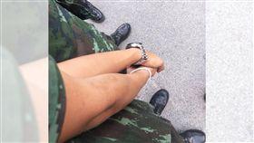 他在軍營裡找到真愛(圖/翻攝自臉書)