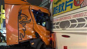 桃園,蘆竹,公車,貨櫃車,客運,追撞
