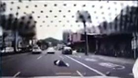 新北市,汐止,行人,穿越馬路,車禍,撞飛